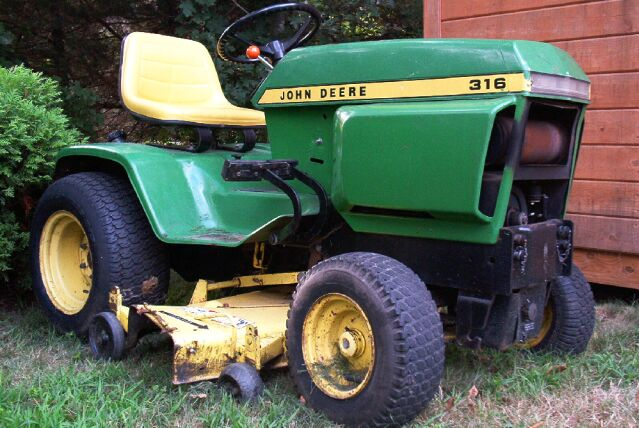 my tractor page i bought a garden tractor this one is a 1978 john deere 316